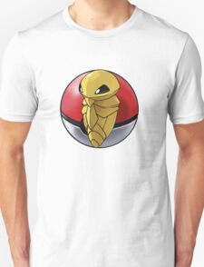 Kakuna pokeball - pokemon T-Shirt