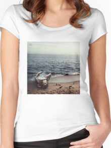 Serves 4 Women's Fitted Scoop T-Shirt