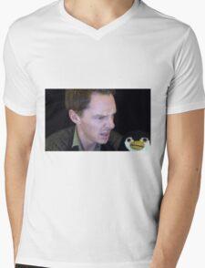 pengwin Mens V-Neck T-Shirt