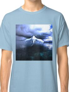 Lugia accros the sea Classic T-Shirt