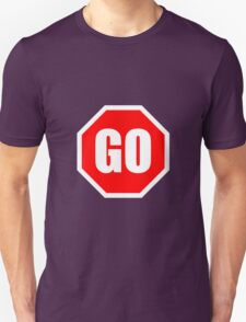 GO Sign graphic T-Shirt