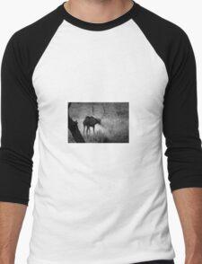 Bull Elk Shakes It Off Men's Baseball ¾ T-Shirt