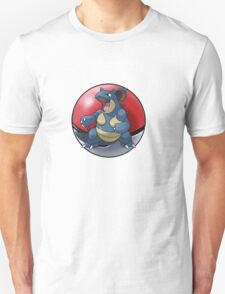 Nidoqueen pokeball - pokemon T-Shirt