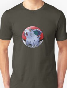 Nidoran (female) pokeball - pokemon T-Shirt