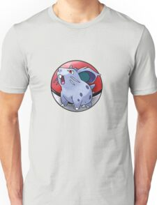 Nidoran (female) pokeball - pokemon Unisex T-Shirt