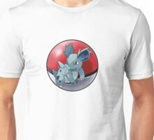 Nidorina pokeball - pokemon Unisex T-Shirt