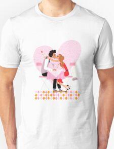 kissing couple T-Shirt