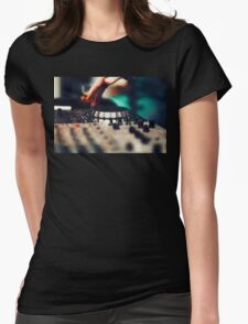 DJ playing mixing music T-Shirt
