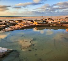 Cable Beach rock pool by Elliot62