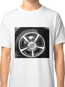 Luxury on wheels Classic T-Shirt