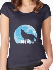 Howling Wolf At Full Moon Women's Fitted Scoop T-Shirt