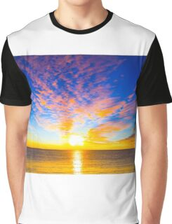 Beautiful sunset over the ocean Graphic T-Shirt