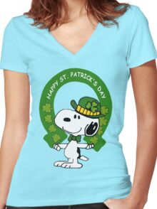 Snoopy Happy St Patricks Day Women's Fitted V-Neck T-Shirt