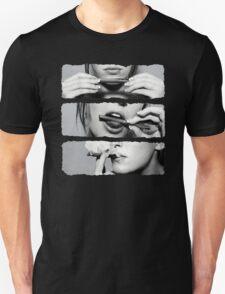 Girls love blunts T-Shirt