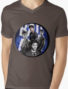 Matthew Daddario Design. ||XxDen GraphicxX||  Mens V-Neck T-Shirt