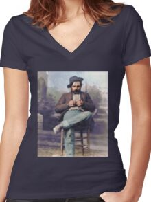 "Harvey Logan--""the fastest gun in the West"" Women's Fitted V-Neck T-Shirt"
