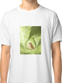Under protection Classic T-Shirt