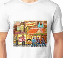 DOWNTOWN MONTREAL VINTAGE SCENE HOWARD JOHNSON'S RESTAURANT Unisex T-Shirt