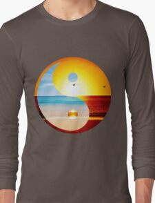yin and yang-ocean  Long Sleeve T-Shirt