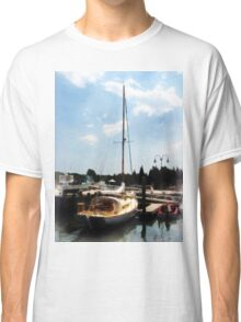 Docked Cabin Cruiser Classic T-Shirt