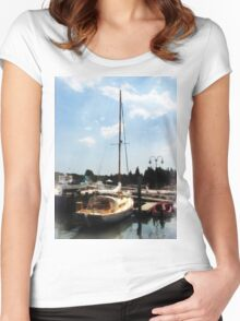 Docked Cabin Cruiser Women's Fitted Scoop T-Shirt
