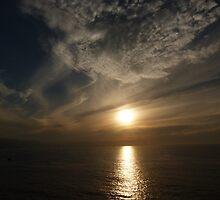 sunset with some clouds II - puesta del sol con unos nubes by Bernhard Matejka