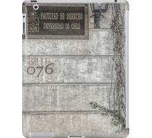 Faculty of Law - Santiago - Grunged Filter iPad Case/Skin