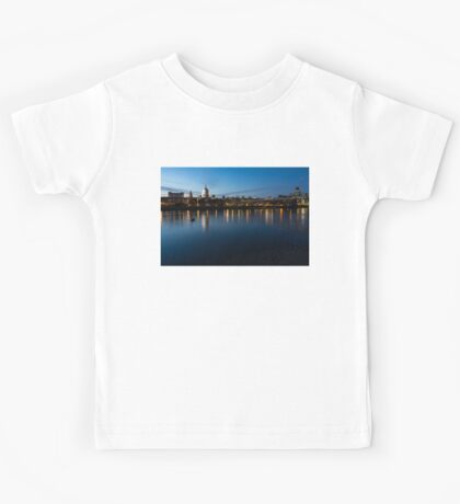 British Symbols and Landmarks - Saint Paul's Cathedral Blue Hour Reflections Kids Tee