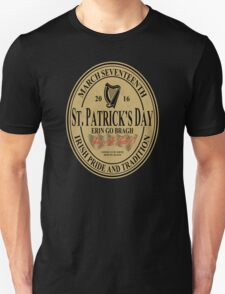St. Patrick's Day - oval label T-Shirt