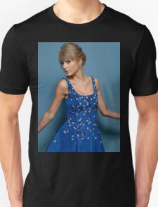 Cute Pose Taylor Swift 2 Unisex T-Shirt