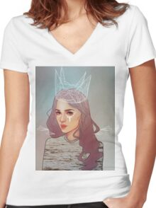 QUEEN II Women's Fitted V-Neck T-Shirt
