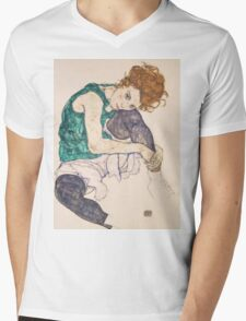 Egon Schiele - Seated Woman with Legs Drawn Up Adele Herms 1917 Mens V-Neck T-Shirt
