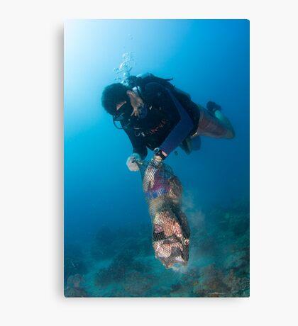 Happy diver, happy ocean! Canvas Print