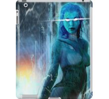 Robot girl 4, destruction iPad Case/Skin
