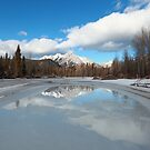 Mount Lorette reflected by zumi