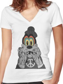 Trippy Goofy Women's Fitted V-Neck T-Shirt