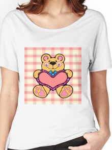 Country Style Valentine Teddy Bear Graphic Holding Heart Plaid Background Women's Relaxed Fit T-Shirt