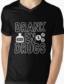 Drank en Drugs Mens V-Neck T-Shirt
