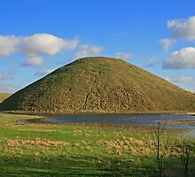 Silbury Hill by RedHillDigital