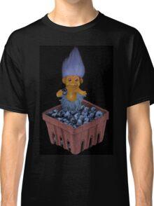 ✾◕‿◕✾ TROLL LOVING BLUEBERRIES VARIOUS APPAREL✾◕‿◕✾ Classic T-Shirt