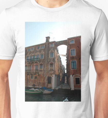 Arched Backstreet, Venice Unisex T-Shirt