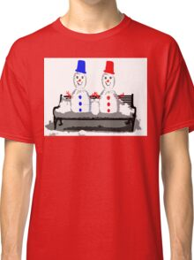HOLDING HANDS Classic T-Shirt