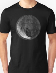 The Crow and its Moon (black and white version) Unisex T-Shirt