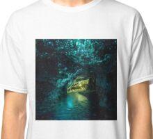 WAITOMO GLOWWORM Classic T-Shirt
