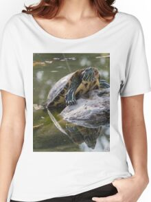 tortoise on lake Women's Relaxed Fit T-Shirt