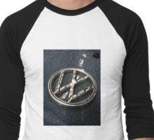 VW Beetle Badge in the Rain Men's Baseball ¾ T-Shirt