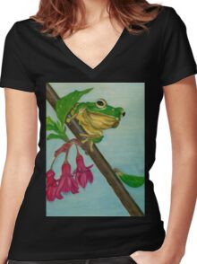 a peaceful frog Women's Fitted V-Neck T-Shirt