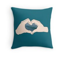 I love waves Throw Pillow