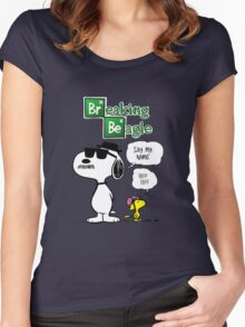Breaking Beagle Women's Fitted Scoop T-Shirt
