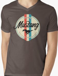 Mustang retro Mens V-Neck T-Shirt